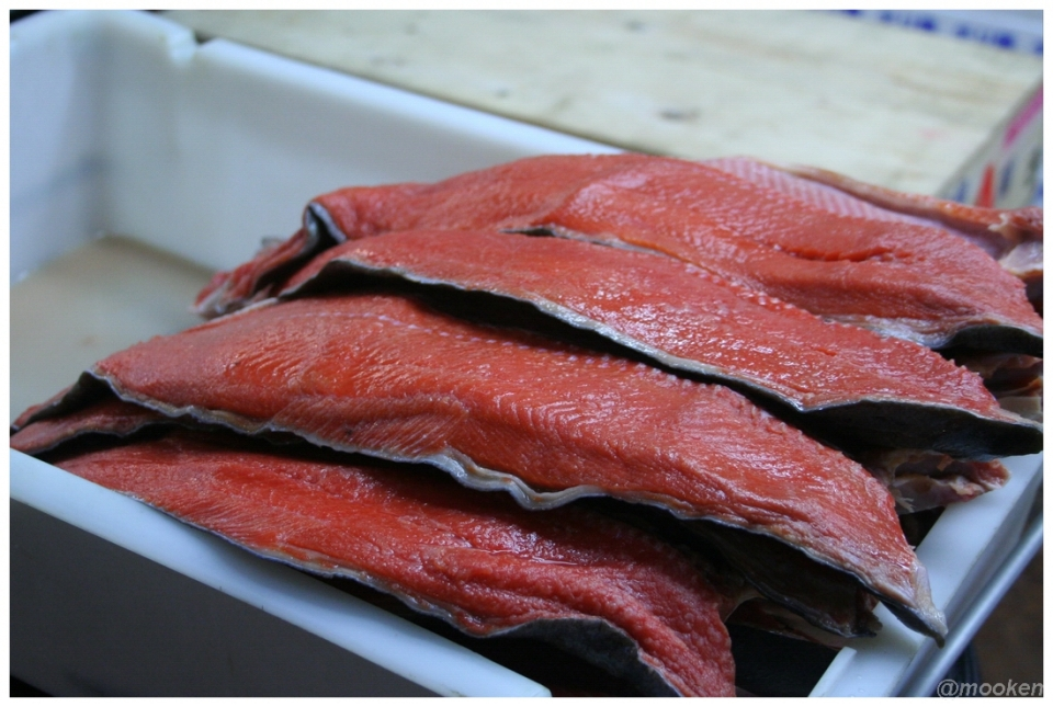 tsukiji_02_salmon